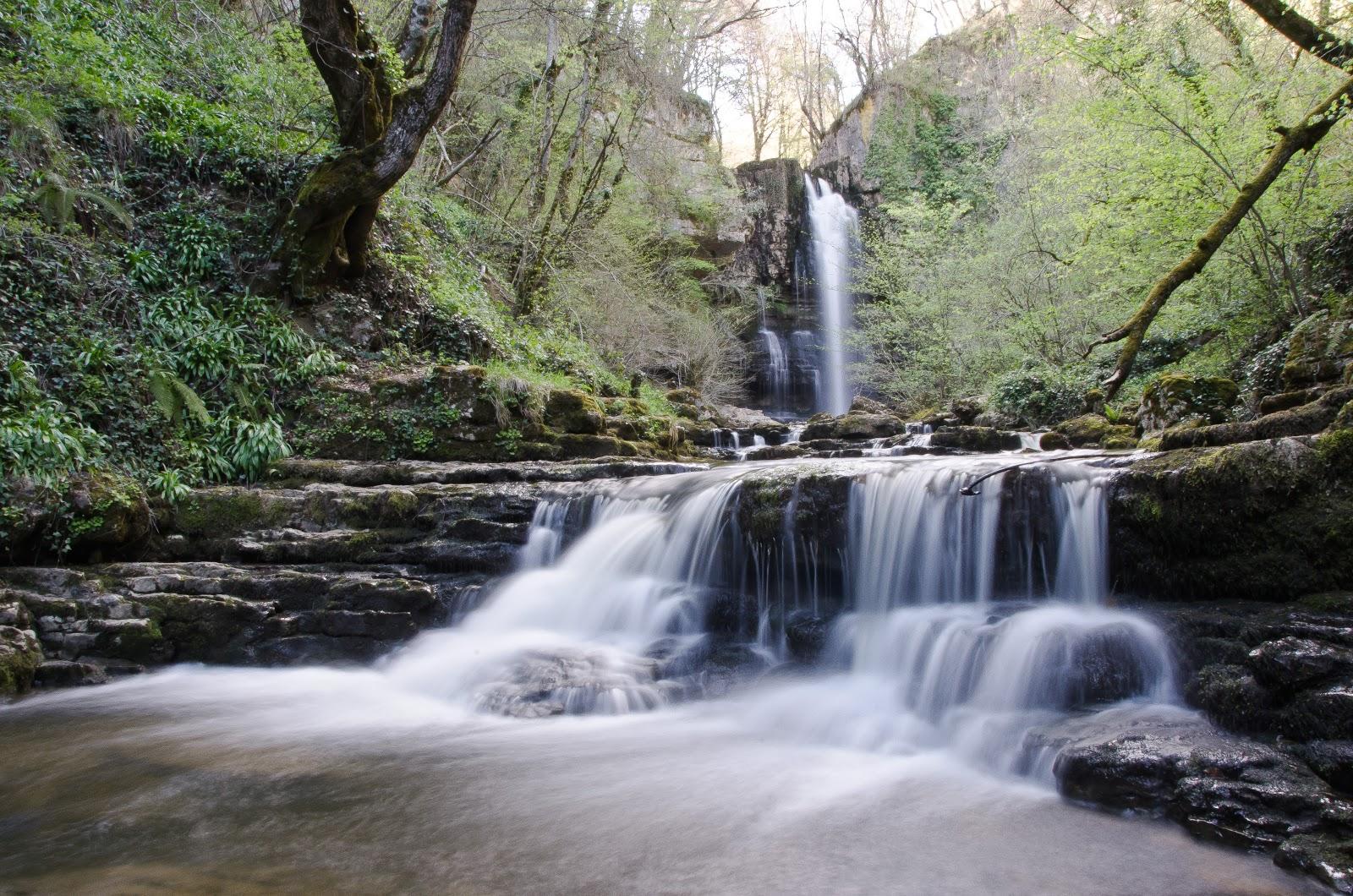 Las Pisas waterfall in Valle de Valdebezanaa - Merindades