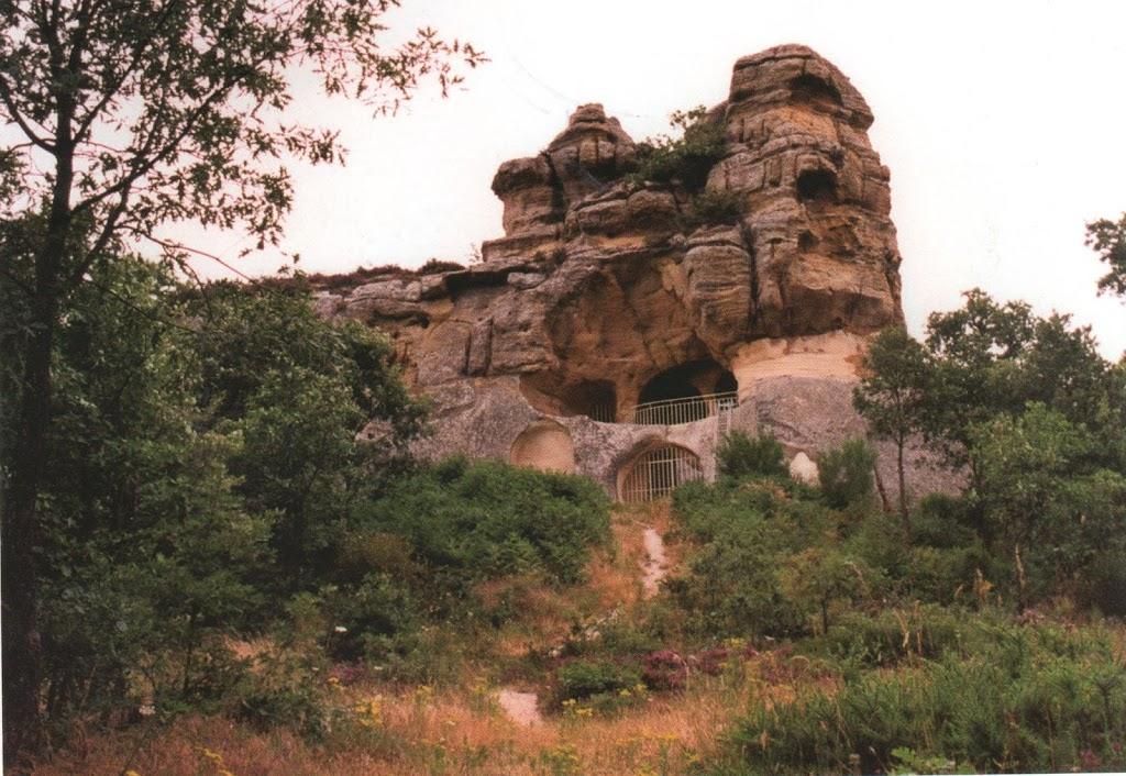Cueva de San Miguel  – Eremitorio rupestre de  Presilla de Bricia