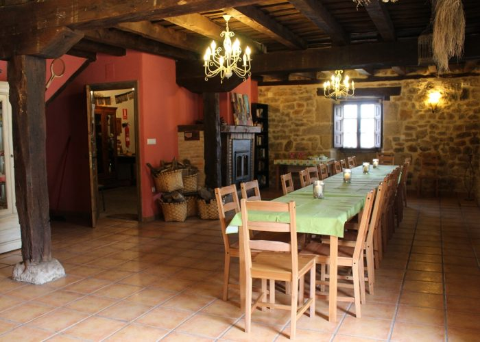 casa rural La Toba I y II, amplio comedor