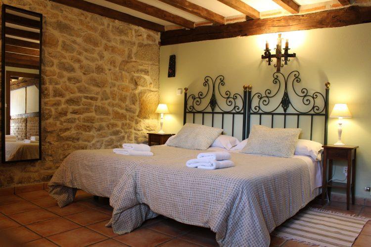 casa rural La Toba I, habitación doble con baño