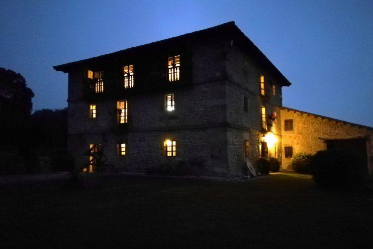 Ya de noche en casa rural La Toba